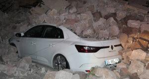 Nevşehir Belediye Başkanı Savran'ın oturduğu apartmanın istinat duvarı çöktü